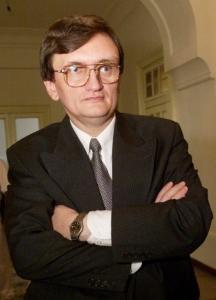 Victor Ciorbea, avocatul poporului, s-a implicat în ancheta celor patru deținuți care îi acuză pe gardienii de la Spitalul Penitenciar Rahova că i-au bătut