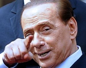 """Silvio Berlusconi susține că femeile """"ar trebui să fie fericite dacă un bărbat încearcă să le seducă"""""""