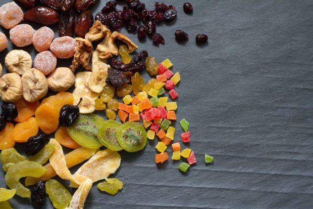 Fructe care îngrasă - mix de fructe confiate