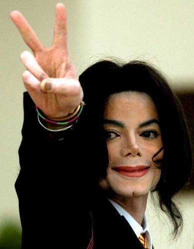 Opt ani de la moartea lui Michael Jackson. Familia încă mai crede în teoria conspirației