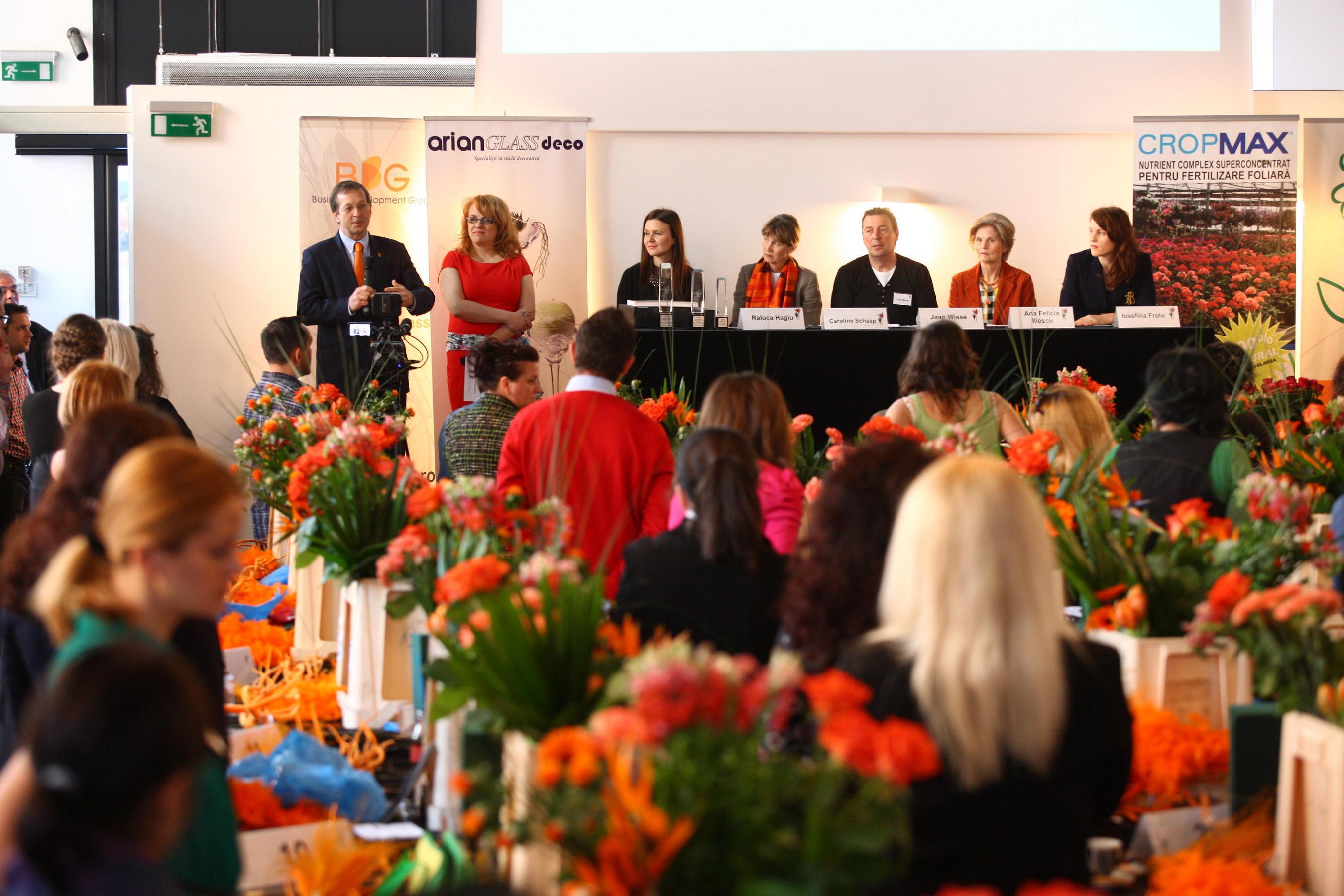Concursul Naţional De Aranjamente Florale şi A Desemnat Câştigătorii