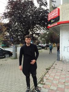 Vica blochina i-a făcut plângere pentru hărțuire și amenințare lui Victoraș Micula