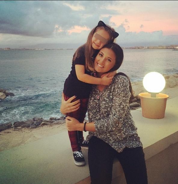 EXCLUSIV/ Antonia face cursuri de română cu fiica ei prin telefon. Limba maternă îi e tot mai străină Mayei