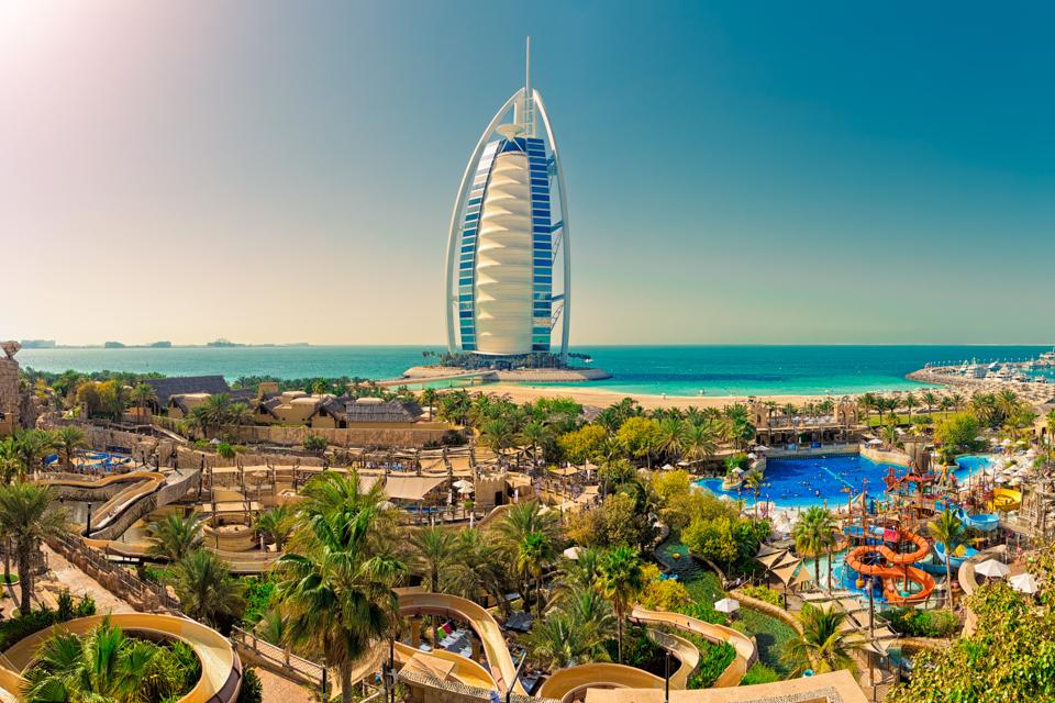 libertatea.Dubai._12.10.2015.BT.jpg