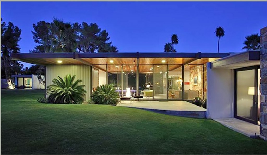 The stunning villa owned by the Oscar-nominated Hollywood, Leonardo Di Caprio, has just returned to the rental market luxury. For 'only' $ 4,500, about 4,150 euros per month you can live in this wonderful house in Palm Springs (California). The house was built in 1965 to actress Dinah Shore by Donald Allen aquitecto Wexler. The actress lived there until his death in 1994. Since 2014 belongs to Di Caprio, who bought it for 5.2 million dollars, 4.8 million euros. It has six bedrooms, spa, swimming pool, tennis court and a stunning garden. MAPB @ LAN