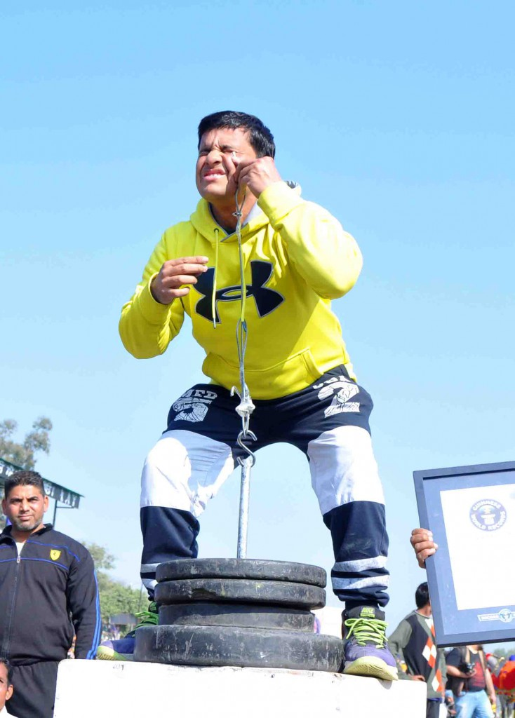 Rakesh Kumar Of India Lifts 82 Kg With His One Ear