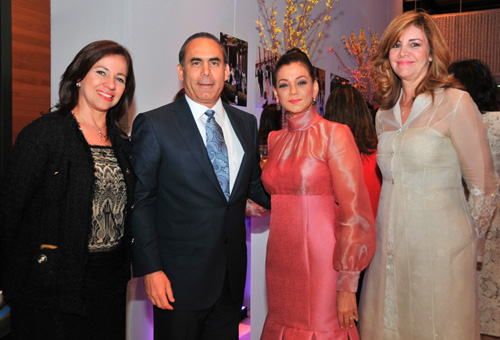 Consuelo Matos Josefnina de Guerrero (dreapta), alături de colegi de breaslă