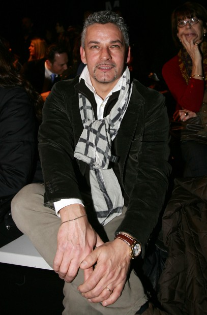 epa02054017 Italian former soccer player Roberto Baggio attends the presentation of the Fall/Winter 2010/2011 collection of Italian designer Luciano Soprani during the Milan Fashion Week in Milan, Italy, 25 February 2010. The Milan Fashion Week runs from 23 February to 02 March. EPA/MATTEO BAZZI