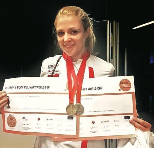 Cele mai importante medalii din palmaresul Simonei: aur și argint  la Cupa Mondială de Gastronomie  din Luxemburg, în 2014