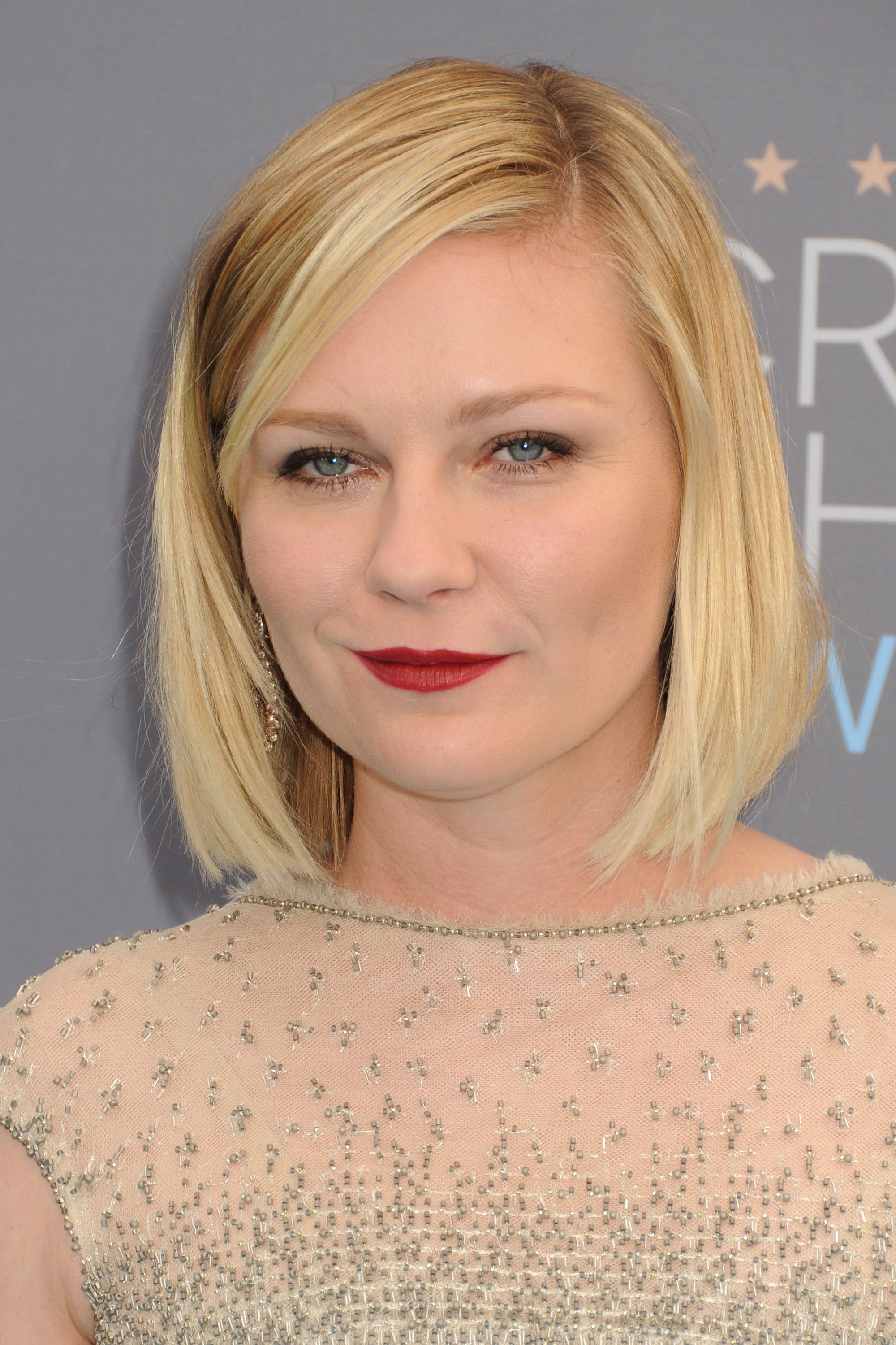 17 January 2016 - Santa Monica, California - Kirsten Dunst. 21st Annual Critics' Choice Awards - Arrivals held at Barker Hangar.  CAP/ADM/BP ©BP/ADM/Capital Pictures