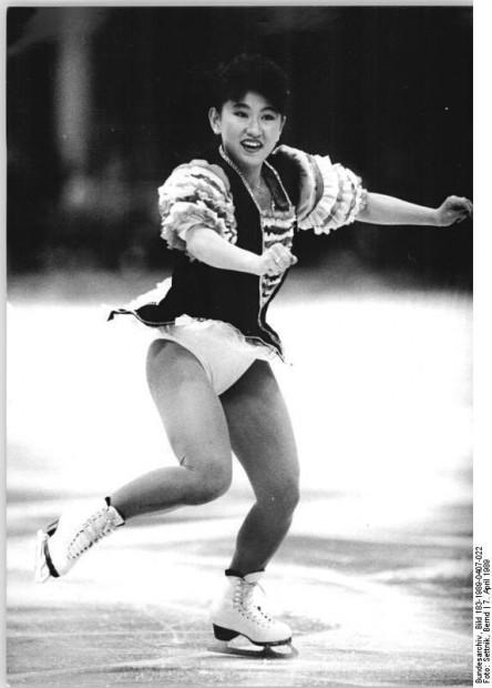 ADN-ZB Settnik 7.4.89 Berlin: ISU-Weltschaulaufen in der Werner-Seelenbinder-Halle (am 6.4.89)- Ein freudiges Wiedersehen gab es für die Berliner mit der 19jährigen Weltmeisterin Midori Ito (Japan), die schon im Vorjahr an gleicher Stelle zu den Lieblingen des Publikums gehörte.