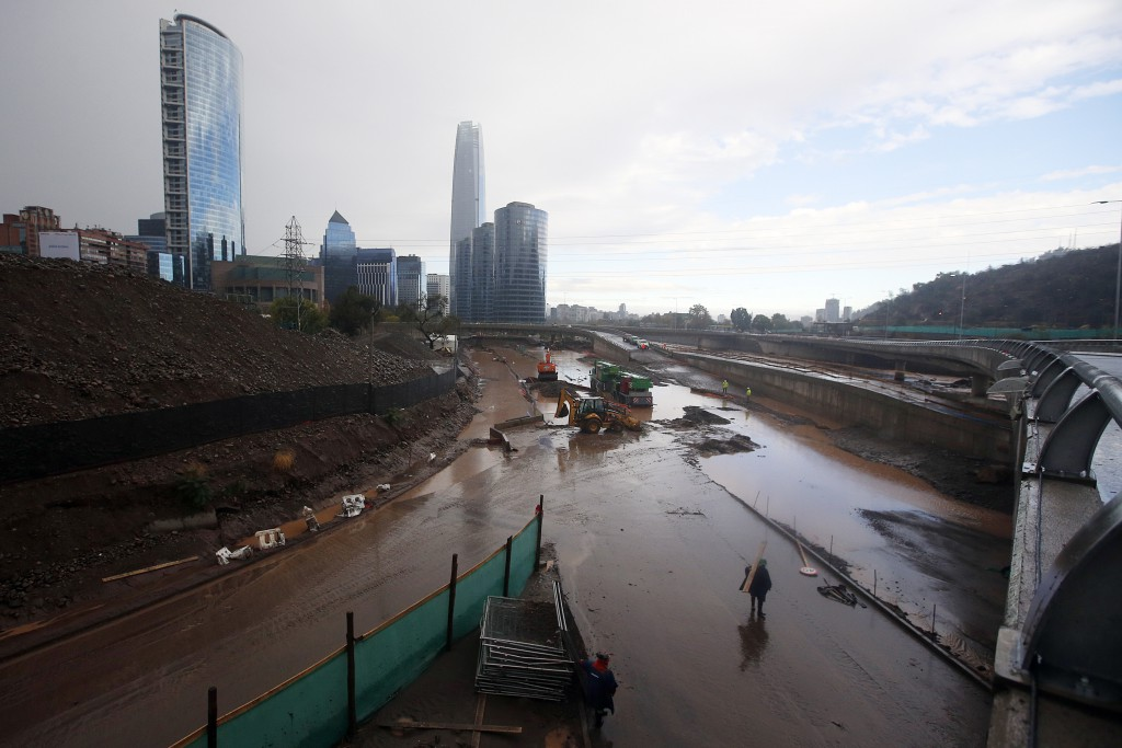 At least 2 dead, 10 missing and 359 affected after strong rains in Chile