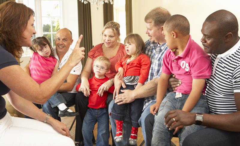 Cei care suferă de sindromul Down sunt dependenți de familie
