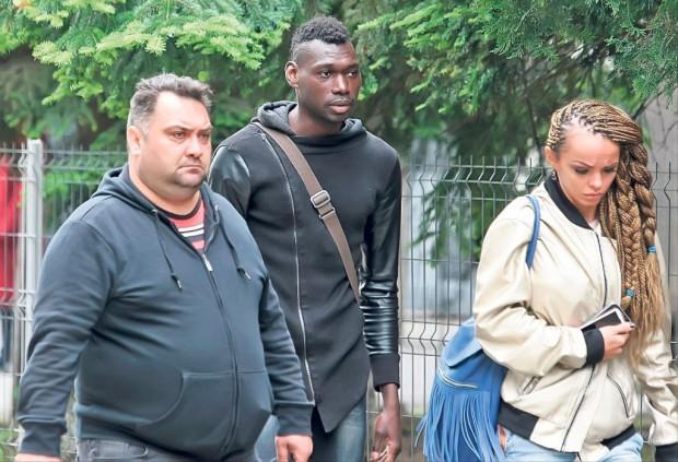 Rudele și cunoscuții fotbalistului camerunez au ajuns ieri la IML