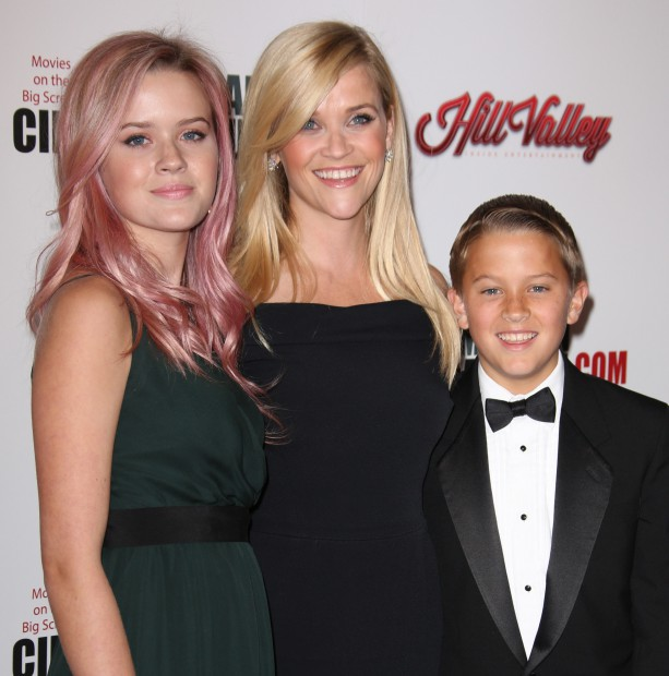 Mandatory Credit: Photo by Matt Baron (5333572j) Reese Witherspoon, Deacon Phillippe and Ava Phillippe American Cinematheque Award Show, Los Angeles, America - 30 Oct 2015