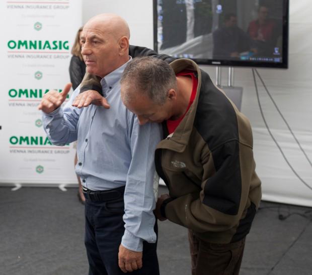 Ion Bernea demonstrază cum poţi scăpa dintr-un atac din spate