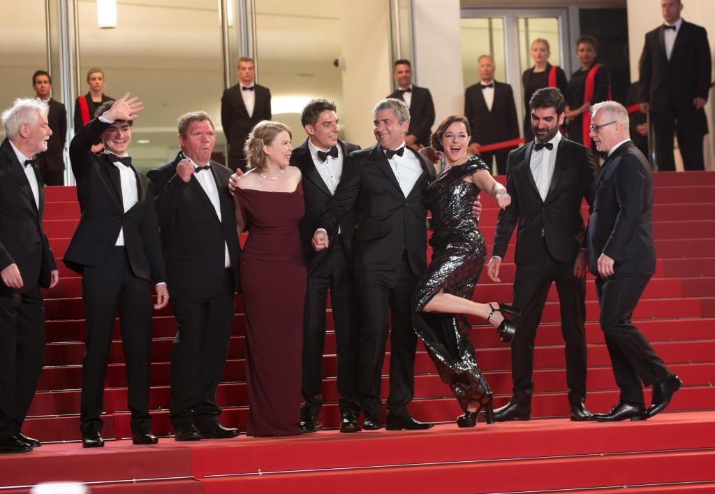"""Montée des marches du film """"Rester Vertical """" lors du 69ème Festival International du Film de Cannes"""