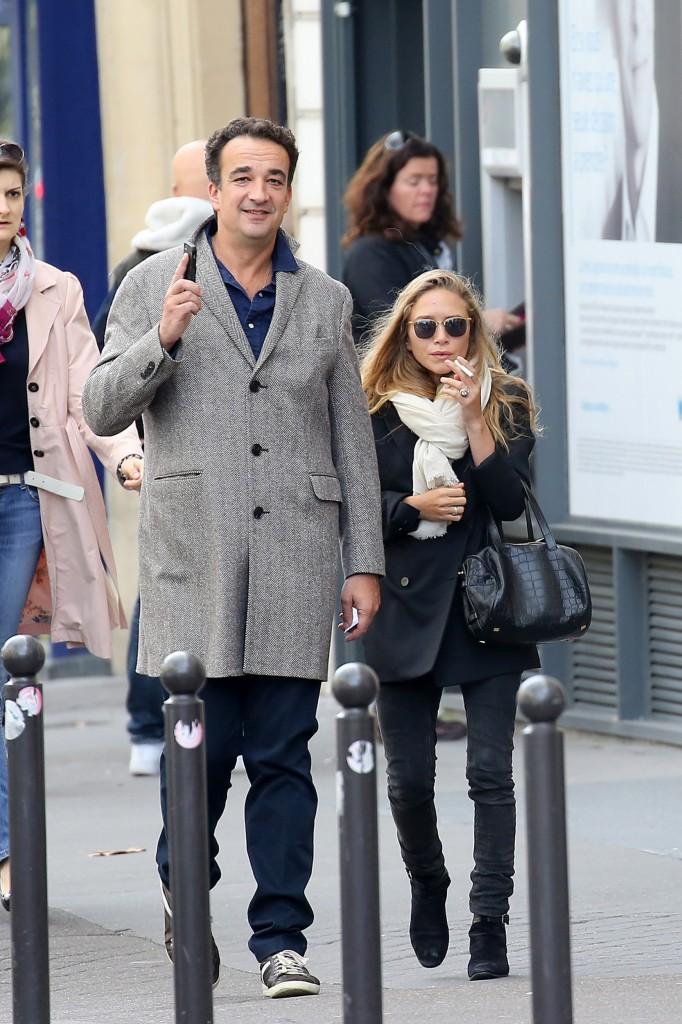 Exclusif - No Credit - BI - Prix Spécial - No Web - Olivier Sarkozy et sa femme Mary-Kate Olsen font les boutiques avenue Montaigne