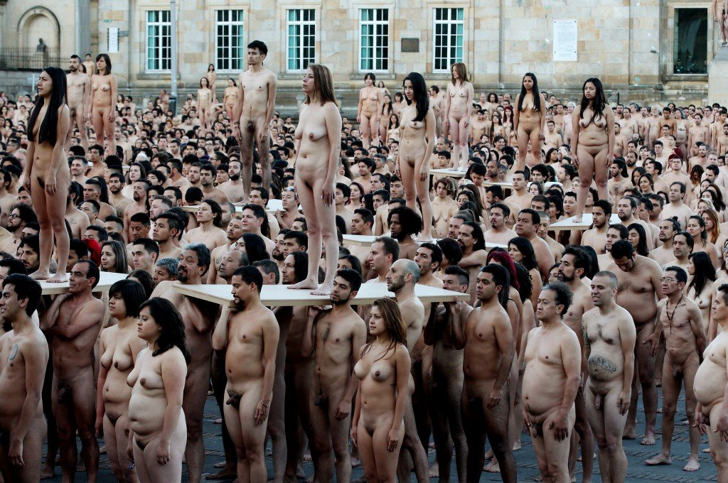 Spencer Tunick photographs in Bogota