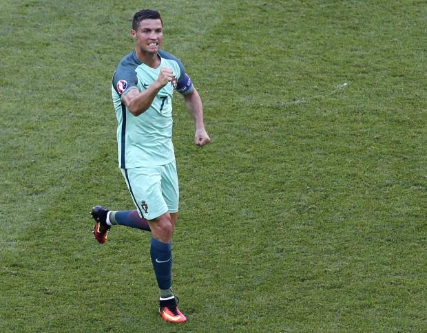 Cristiano Ronaldo n-a gustat deocamdată din bucuria unui mare succes cu naționala EPA/SERGEY DOLZHENKO