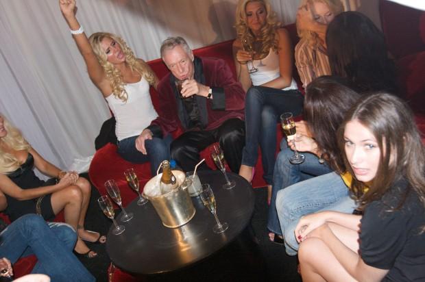 Petrecere concul Playboy, Hugh Hefner