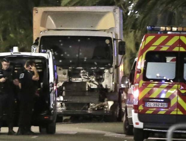 atentat Nisa camion parbriz