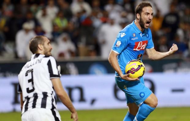 Gonzalo Higuain, pe vremea când se bucura după reușitele din partidele cu Juventus EPA/STR