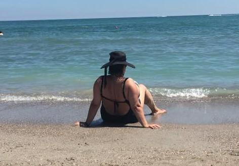 Ozana Barabancea, în costum de baie, la malul mării. Ce reacții a stârnit pe internet | FOTO