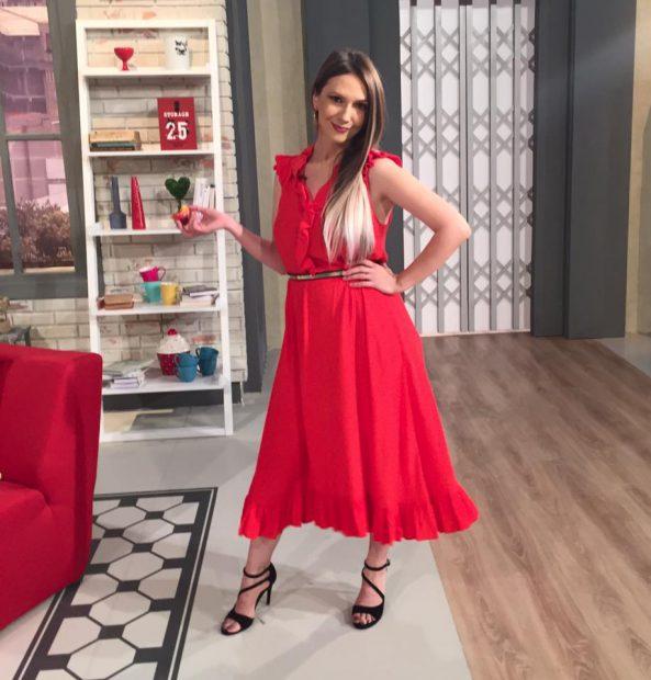 Adela Popescu-rochie-nastere