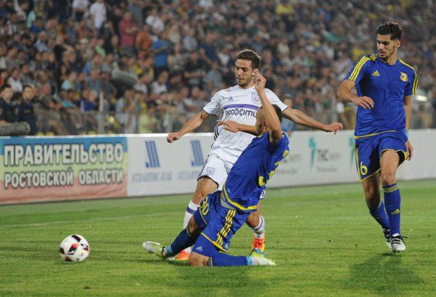 Alexandru Chicpiu (în alb) s-a integrat repede în echipa lui Anderlecht. (FOTO: HEPTA)