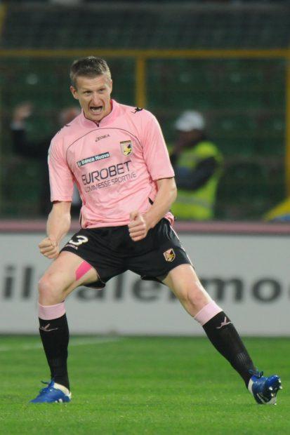 Dorin Goian, bucurându-se pentru un gol marcat în tricoul lui Palermo. (FOTO: EPA)