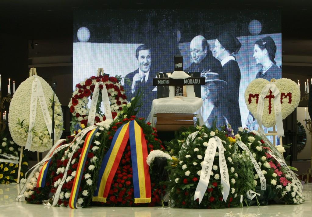 EXCLUSIV/ Văduva lui Marin Moraru este pregătită să-i cinstească memoria maestrului. După 8 luni de jale, îi pune cruce și bust la căpătâi