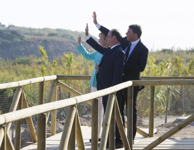 Angela Merkel, Francois Hollande și Matteo Renzi, reuniune tema brexit - EPA