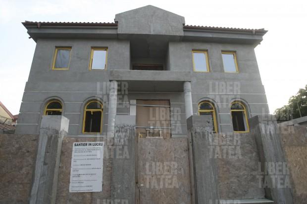 EXCLUSIV/ Blestemul Simonei Halep. Cafeneaua deschisă în Constanța nu are niciun client