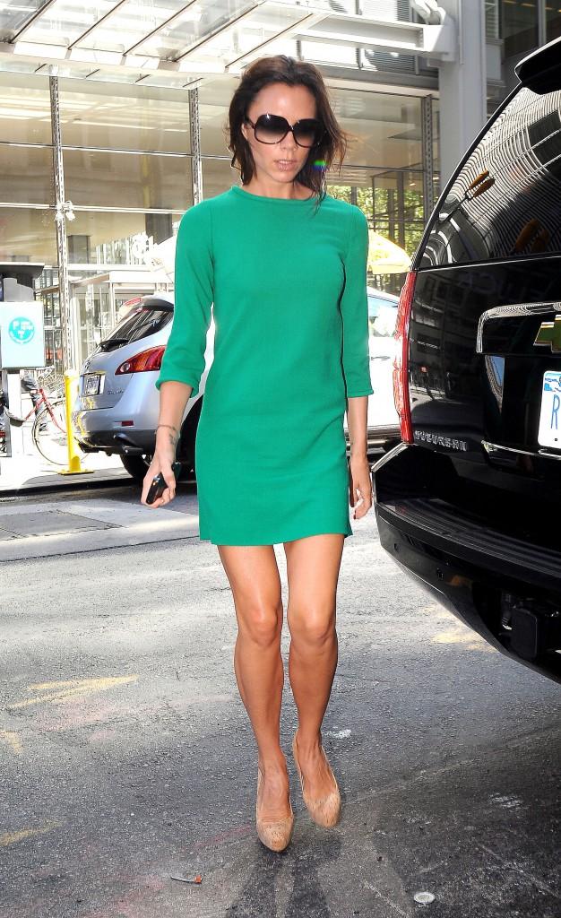 Victoria Beckham im grünen Kleid unterwegs in New York