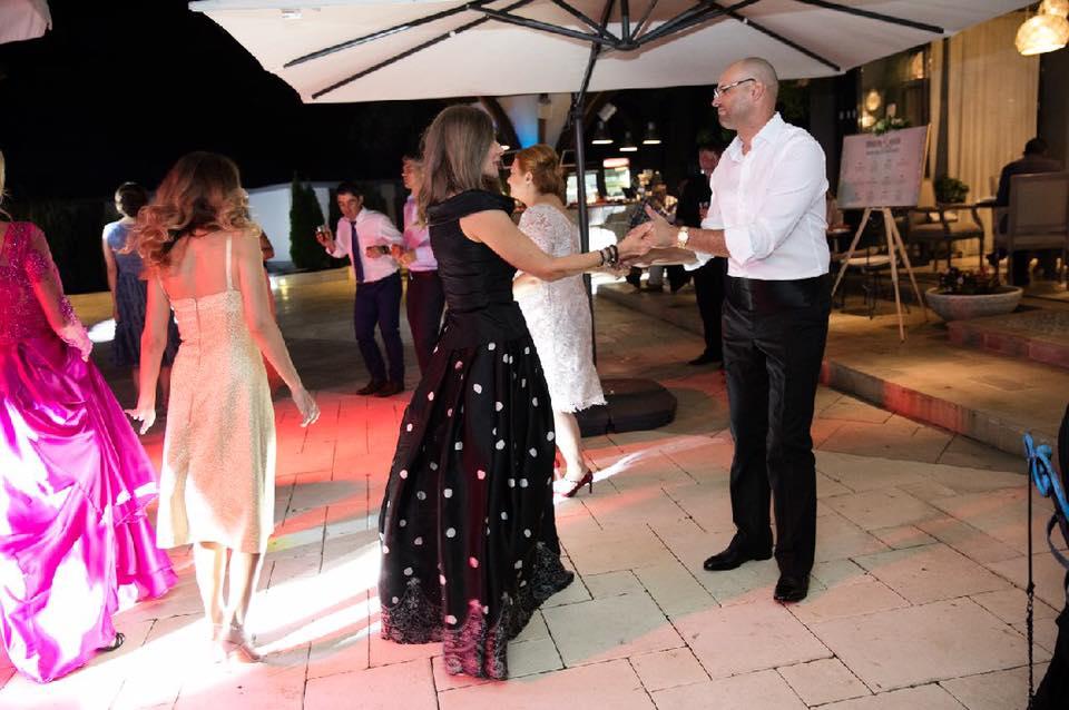 Romanița Iovan dansând