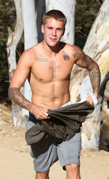 52163131 Singer Justin Bieber goes for a hike in Runyon Canyon in Hollywood, California on September 3, 2016. Justin, who showed off his fit physique, recently returned from a romantic vacation with his girlfriend Sofia Richie in Mexico. FameFlynet, Inc - Beverly Hills, CA, USA - +1 (310) 505-9876