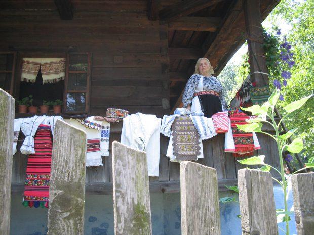 foto 3 - Muzeul satului 16RzV