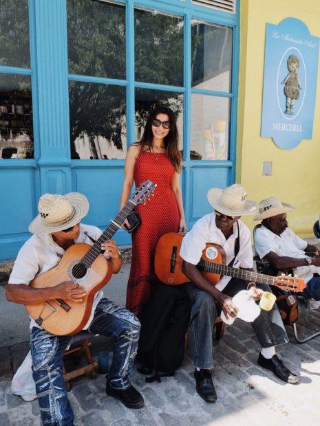 Lili Sandu, fericită în vacanșă în Cuba