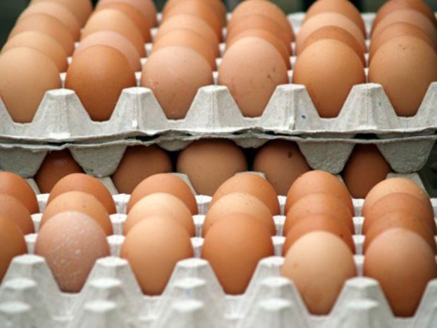Ouă cu Salmonella retrase de pe piaţă în Covasna