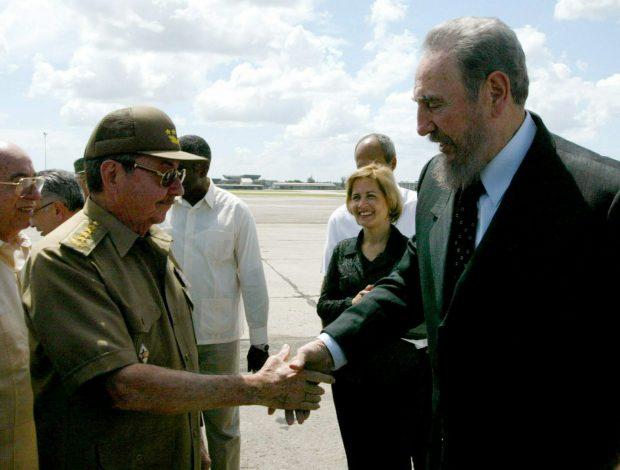 Fidel și Raul Castro