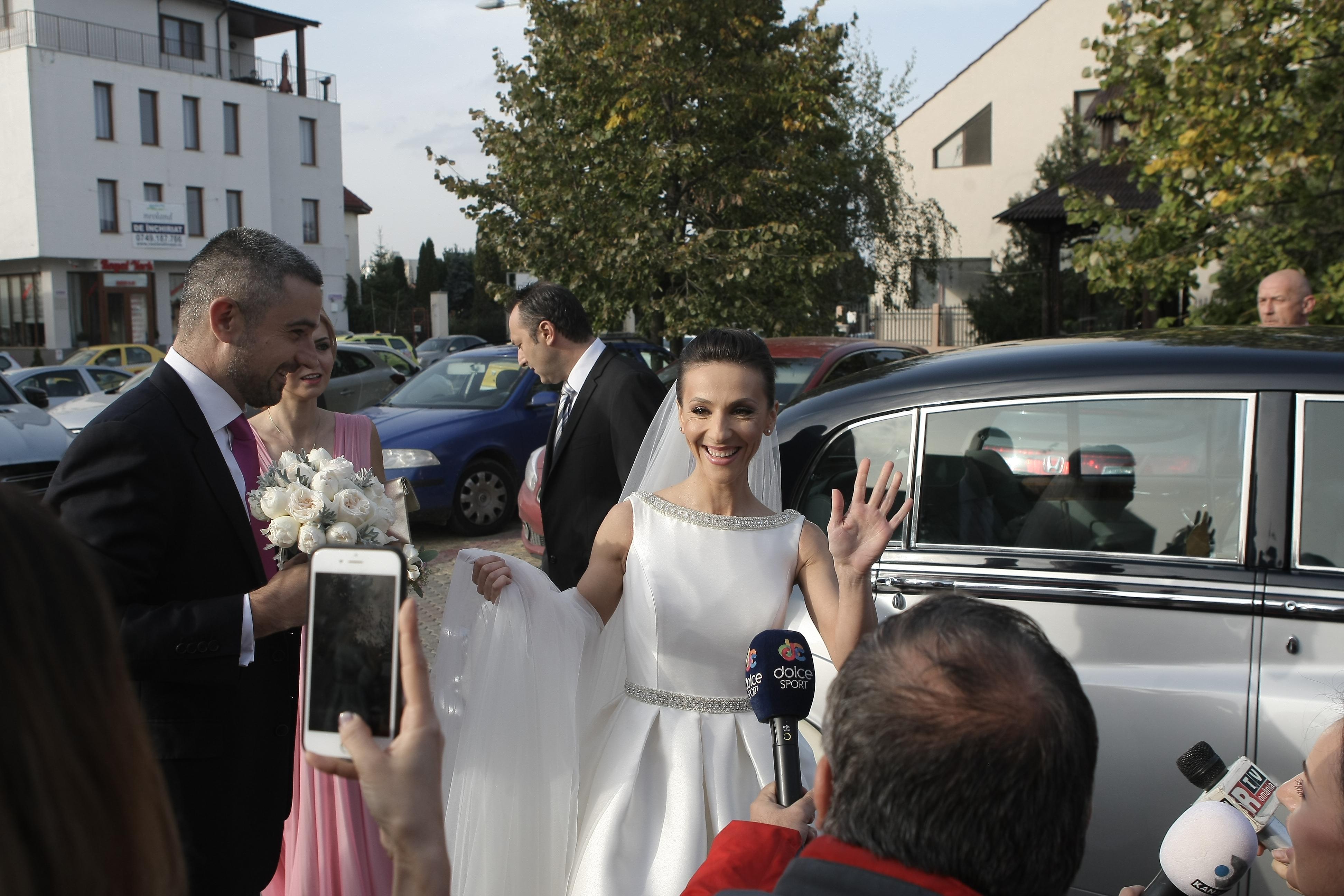 Andreea Răducan S A Măritat Cum Arată în Rochia De Mireasă și Ce