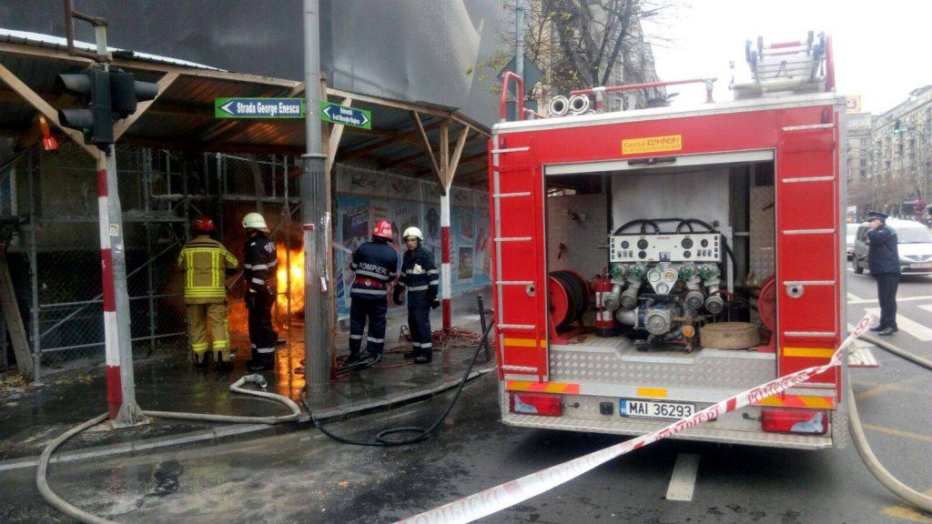 Incendiu lîn centrul Capitalei. la un bloc aflat în reabilitare