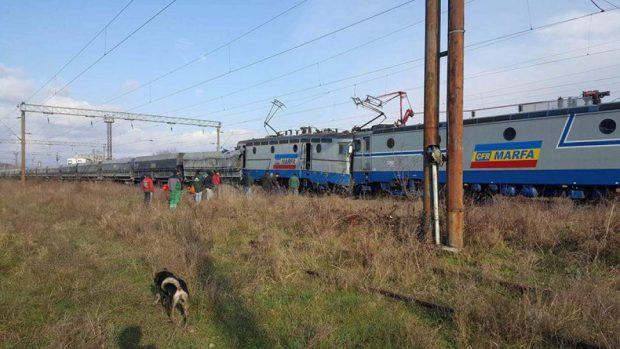 accident feroviar în Gorj - imagini de după coliziunea celor două trenuri