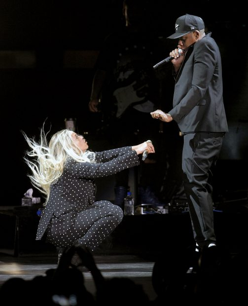 Beyonce și Jay Z, la un concert pentru sustinerea lui Hillary Clinton