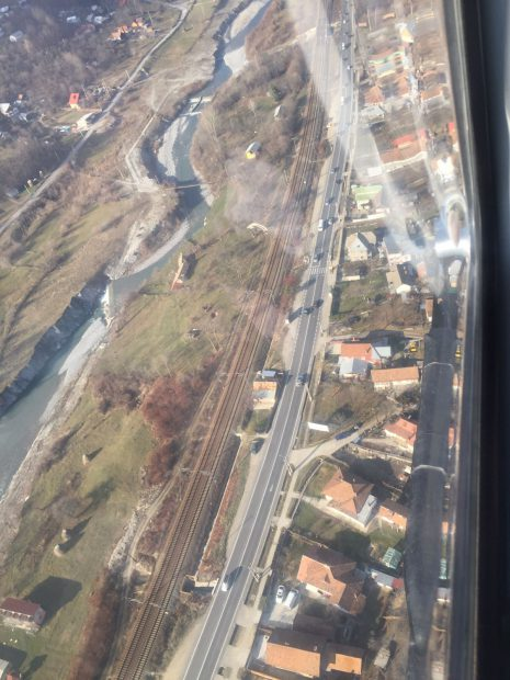 spre stațiunile montane din Valea Prahovei s-au format cozi interminabile pe șosele