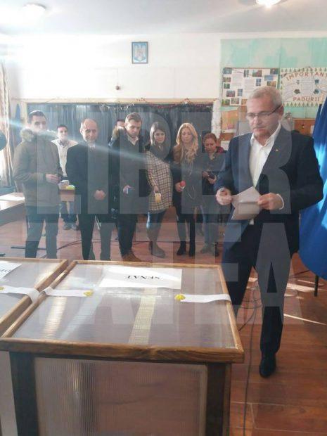 Liviu Dragnea voteaza la alegerile parlamentare