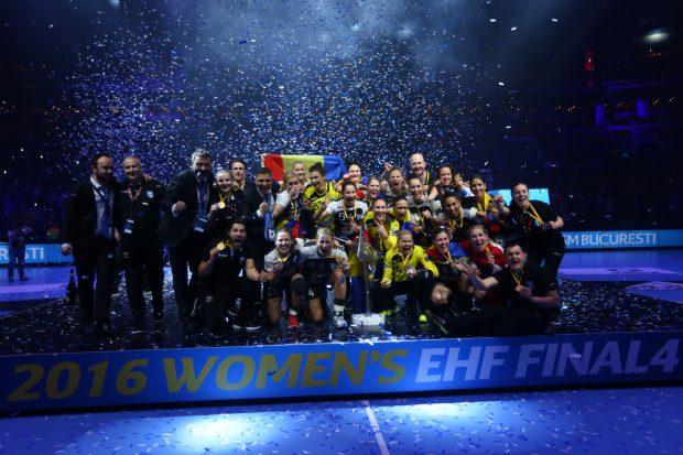 CSM București, proaspătă câștigătoare a Ligii Campionilor la handbal feminin. (FOTO: Vlad Chirea)
