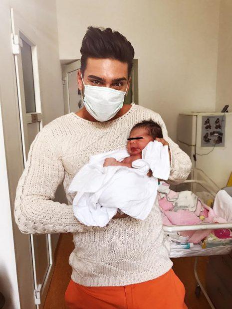 S-a născut primul fin al lui Dorian Popa. Imagine emoționantă din maternitate