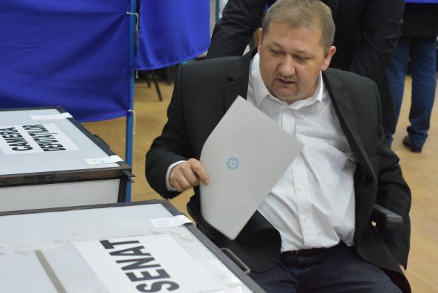 Ionuţ Narcis Chisăliţă a votat la Reșița